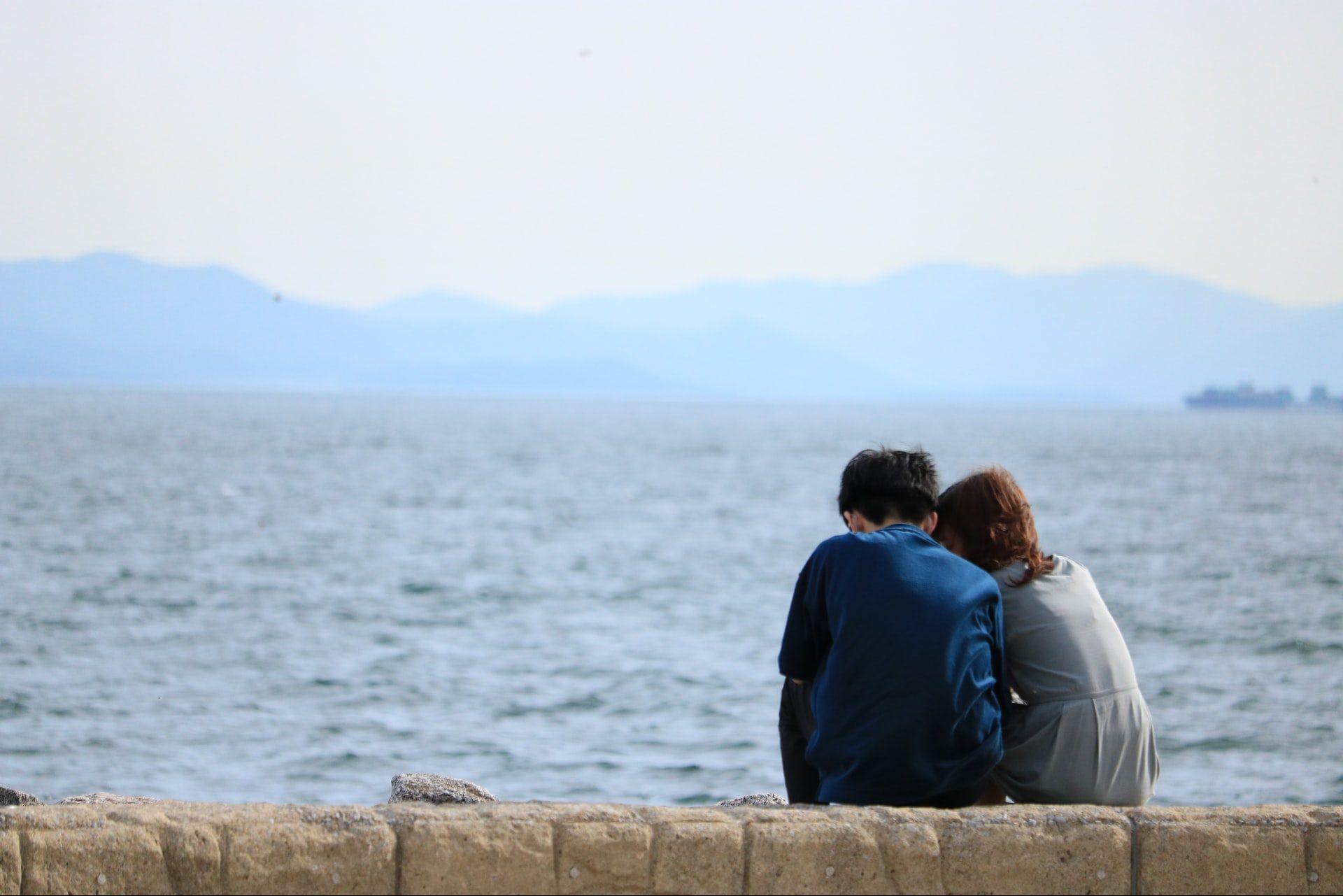 """大人の恋愛に駆け引きは必要? 男性心を""""わしづかみ""""にするアプローチ方法とは"""