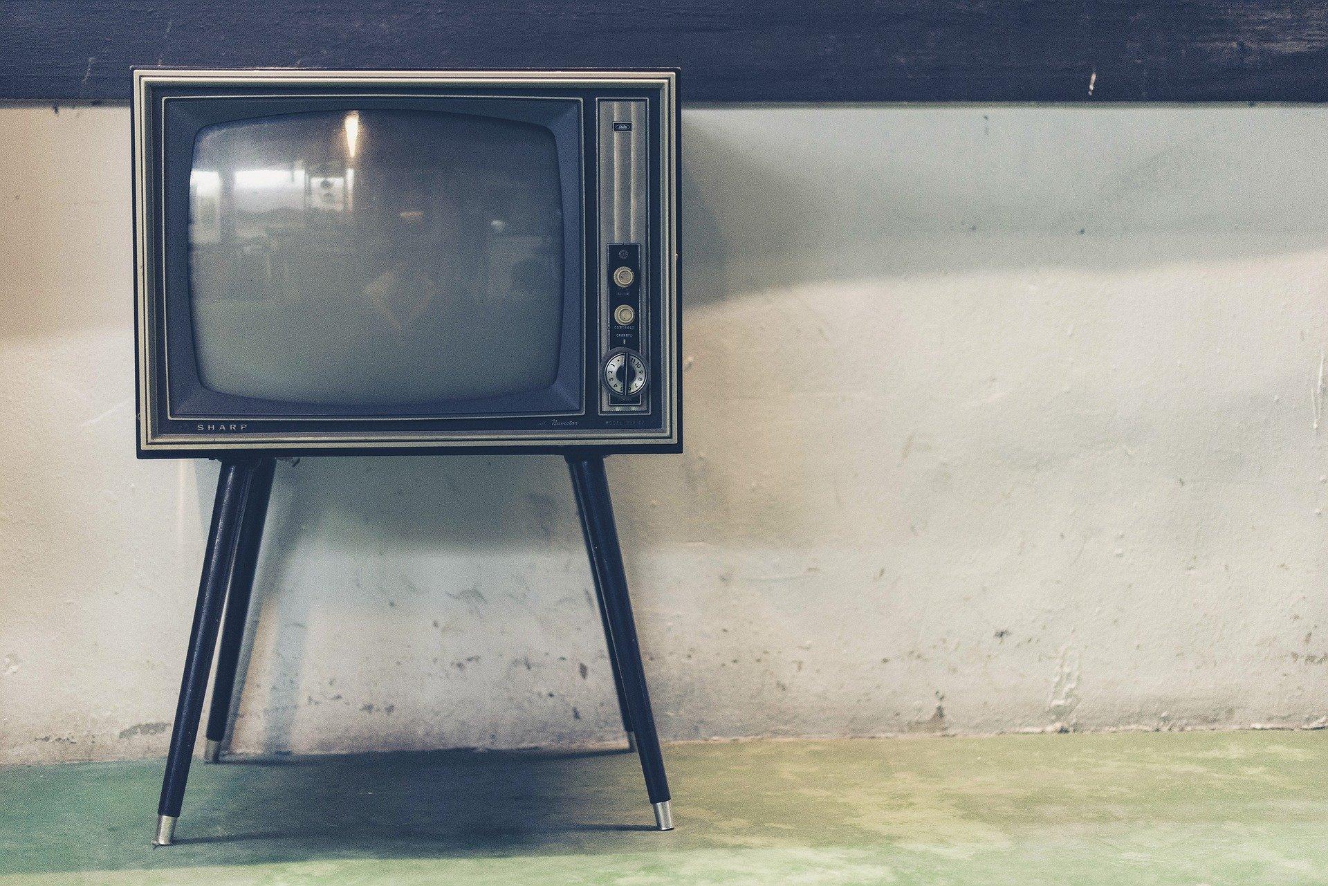 【めっちゃ当たる】お茶の間のテレビで話題沸騰 有名イケメン占い師 木下レオンとは!!