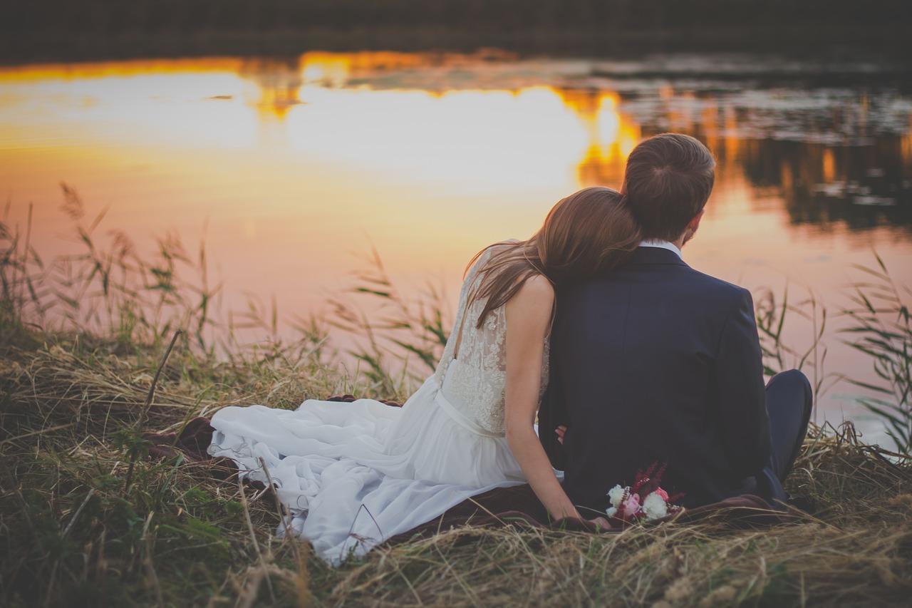 【恋愛とは違う?】男性が「理想の結婚相手」に求めるものって?