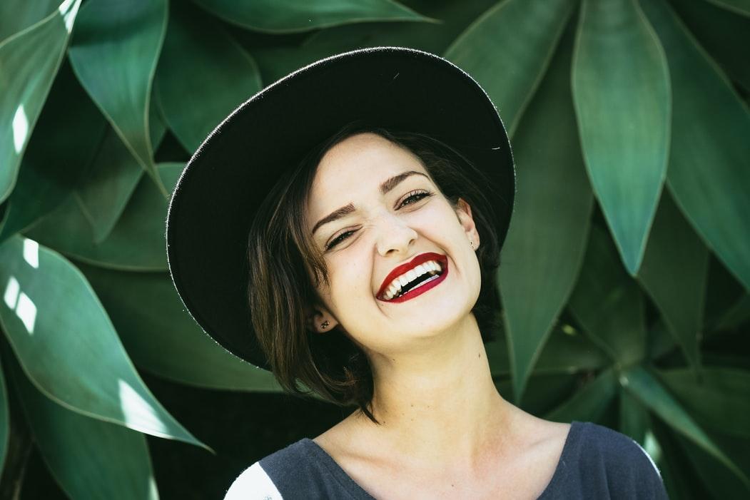 女性の笑顔は最大の武器!笑顔が与える男性心理への効果とは!?