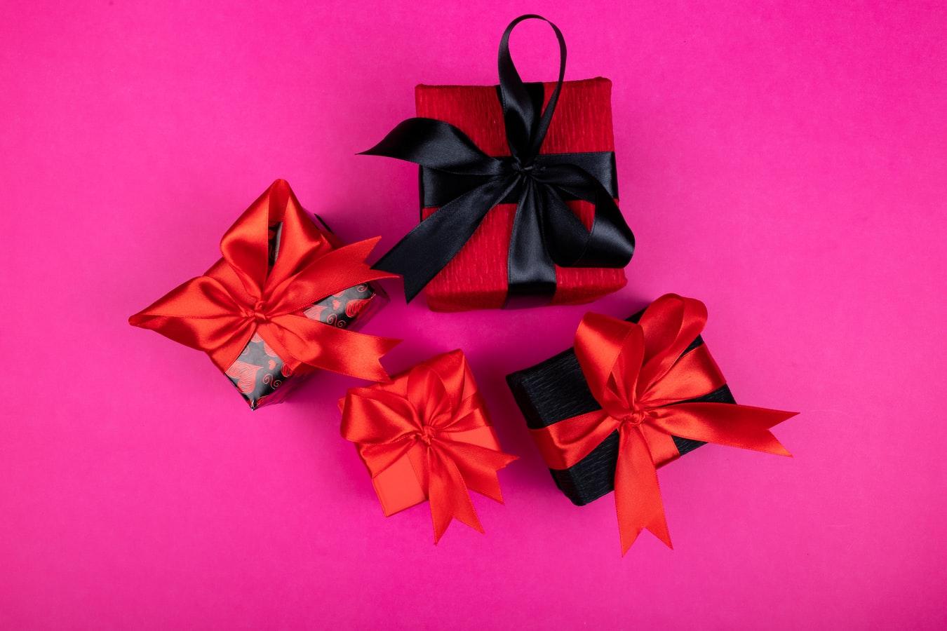 【友達以上恋人未満】の男性にクリスマスプレゼントをあげる時のポイントって?
