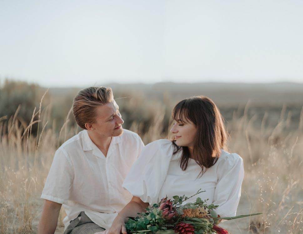 【やっぱり好きだ…♡】男性が恋人に惚れ直す瞬間4選
