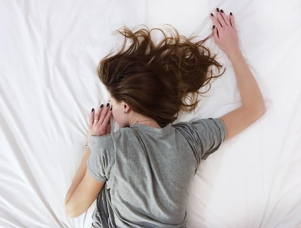 """【心理テスト】部屋に置きたい「癒しアイテム」って?答えでわかるあなたの""""疲労の原因"""""""