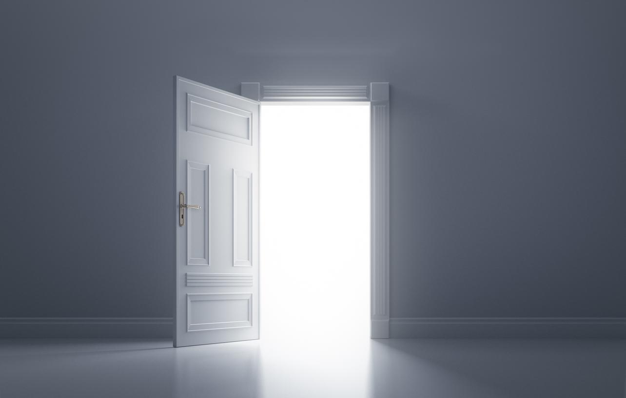 心理テスト ドアの先に見えたのはなに? あなたの「オバサン度」チェック