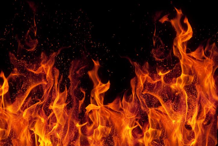 夢占い|『火事』の夢が意味するものって?シーン別に解説!