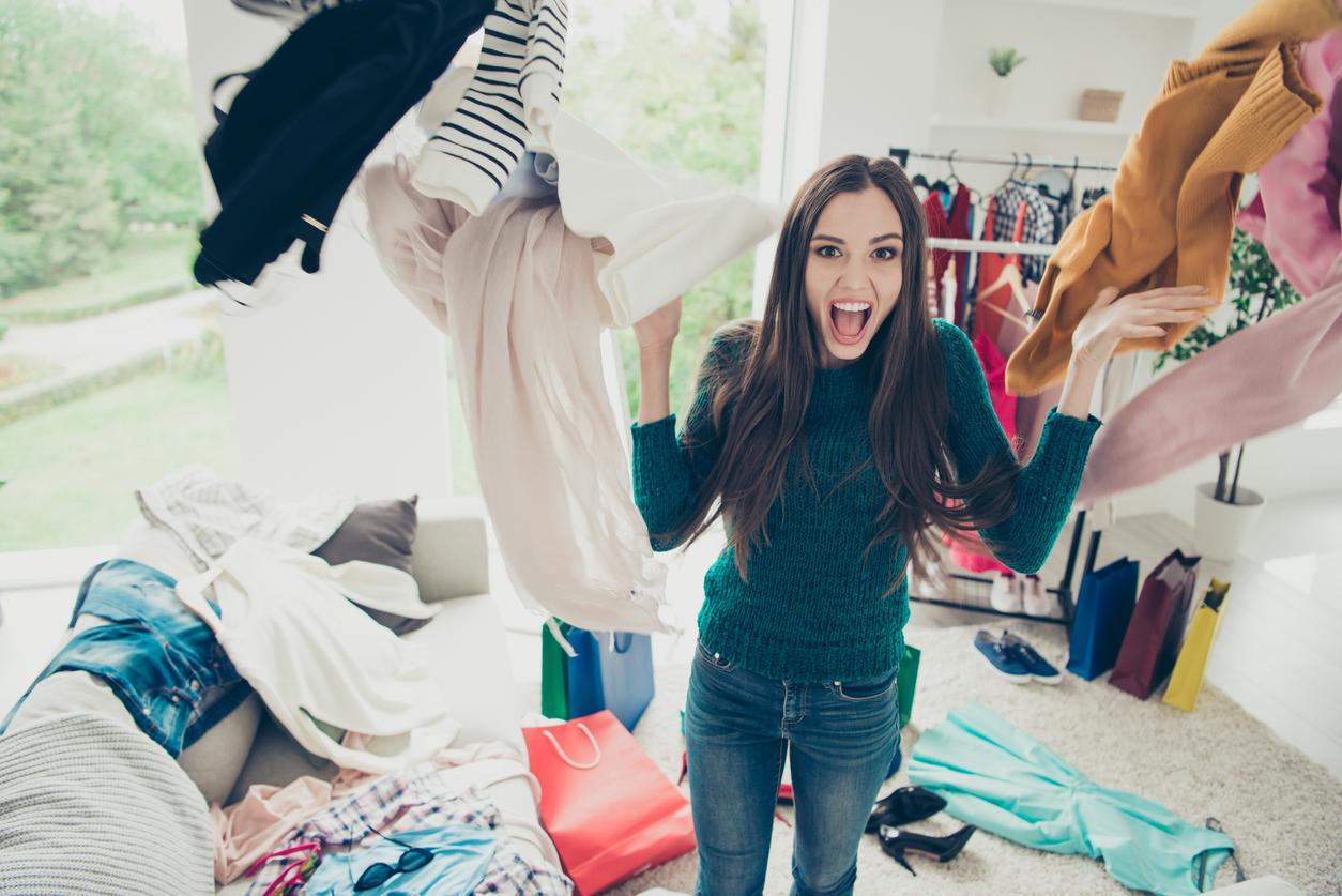 心理テスト|「この服捨てよう!」あなたが服を捨てる理由は何?
